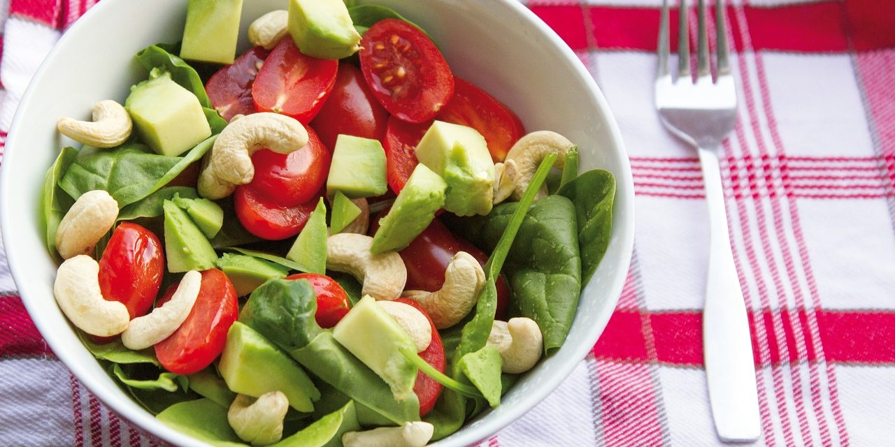 Nuts over salads? What are the facts? Is it really true that this style of eating is healthy?